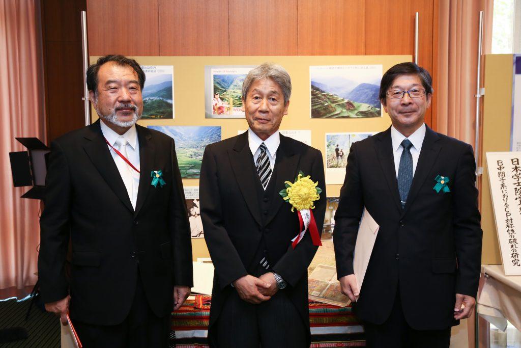 清水展(名誉教授)が『草の根グローバリゼーション─世界遺産棚田村の文化実践と生活戦略』により第107回 2017年日本学士院賞を受賞しました。